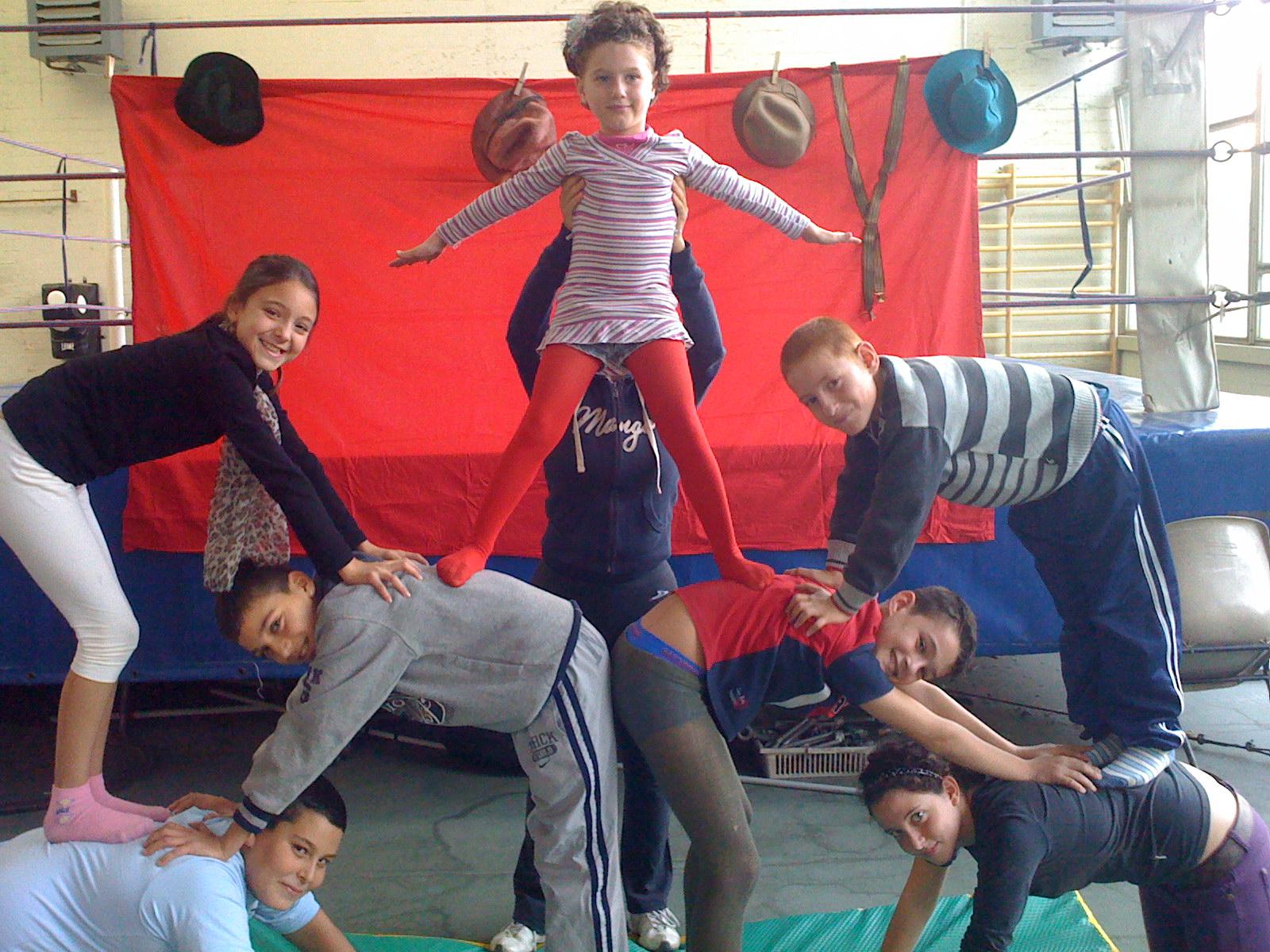 forme-artistiche-bambini-circo-sociale