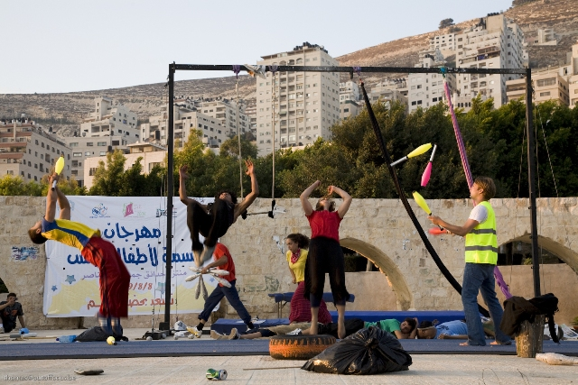 palestinian circus school spettacolo di circo sociale